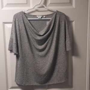 Med - Reitmans relaxed stretch top with sleeves